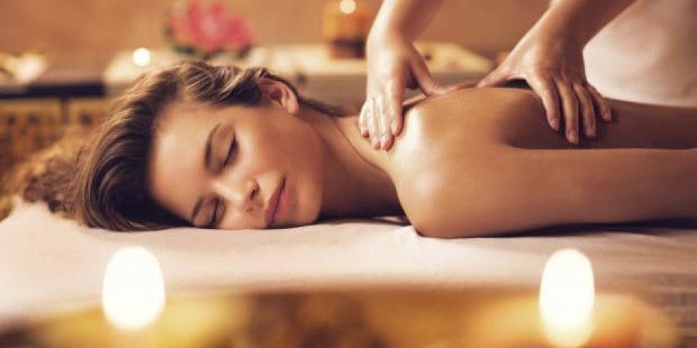 VAŠE DOVOLENÁ V ČESKÉM RÁJI JEŠTĚ VĚTŠÍ RELAX! Využijte možnost skvělých masáží a lekcí jógy v Recall centru za zvýhodněné ceny pro vás!